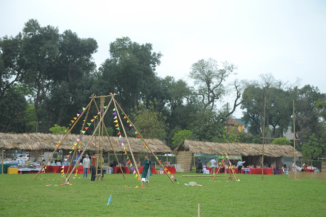 Di dời các mặt hàng phản cảm tại Festival văn hóa ở Hoàng thành Thăng Long - 4
