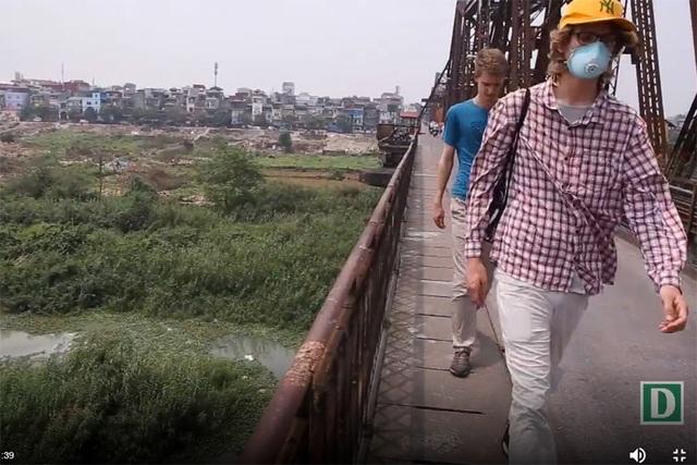 Khúc sông thối dưới cầu Long Biên ô nhiễm nghiêm trọng - 10