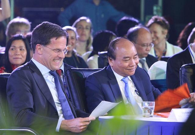 Thủ tướng Hà Lan - Việt Nam cùng xem diễn thời trang - 2
