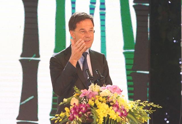 Thủ tướng Hà Lan - Việt Nam cùng xem diễn thời trang - 5