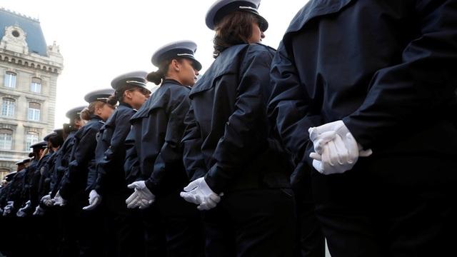 Báo động tình trạng tự tử gia tăng trong lực lượng cảnh sát Pháp - 1