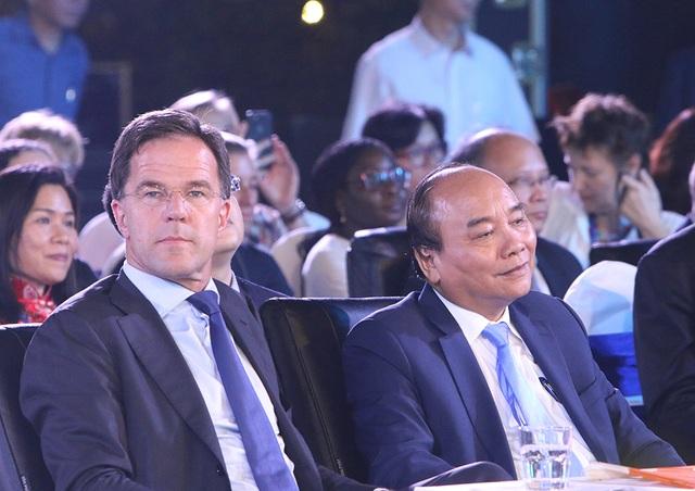 Thủ tướng Hà Lan - Việt Nam cùng xem diễn thời trang - 6