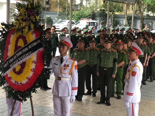 Lãnh đạo Đảng, Nhà nước dâng hương viếng Trung tướng Đồng Sỹ Nguyên - 10