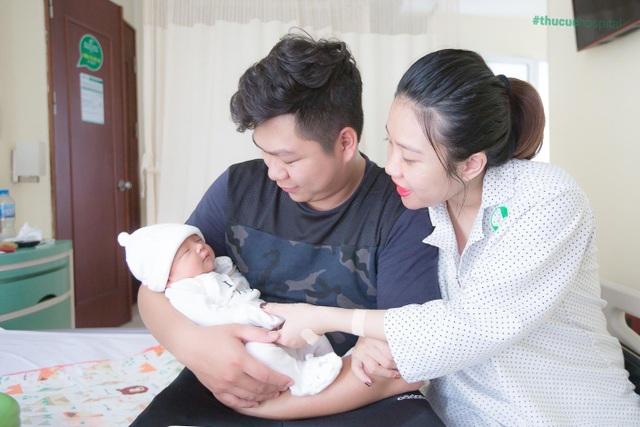 Ca mổ đẻ nhẹ tênh với trường hợp em bé ngôi thai ngang và 3 vòng dây rốn quấn cổ - 5