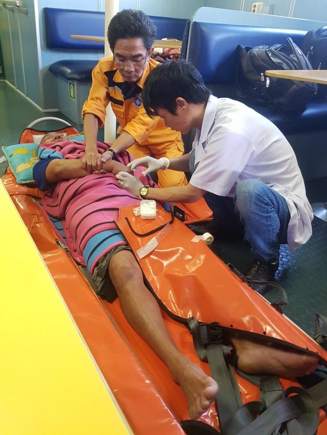 Xuyên đêm cấp cứu thuyền viên bị tai biến mạch máu não trên vùng biển Hoàng Sa - 2