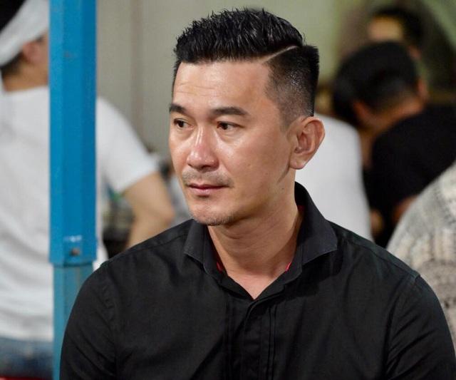 Nghệ sĩ nghẹn ngào tiễn biệt diễn viên hài Anh Vũ - 13