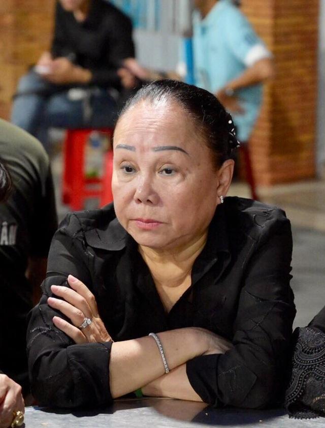 Nghệ sĩ nghẹn ngào tiễn biệt diễn viên hài Anh Vũ - 10
