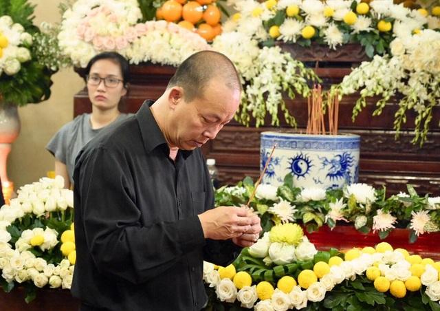 Nghệ sĩ nghẹn ngào tiễn biệt diễn viên hài Anh Vũ - 4