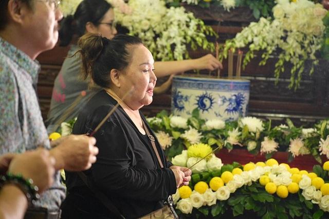 Nghệ sĩ nghẹn ngào tiễn biệt diễn viên hài Anh Vũ - 3