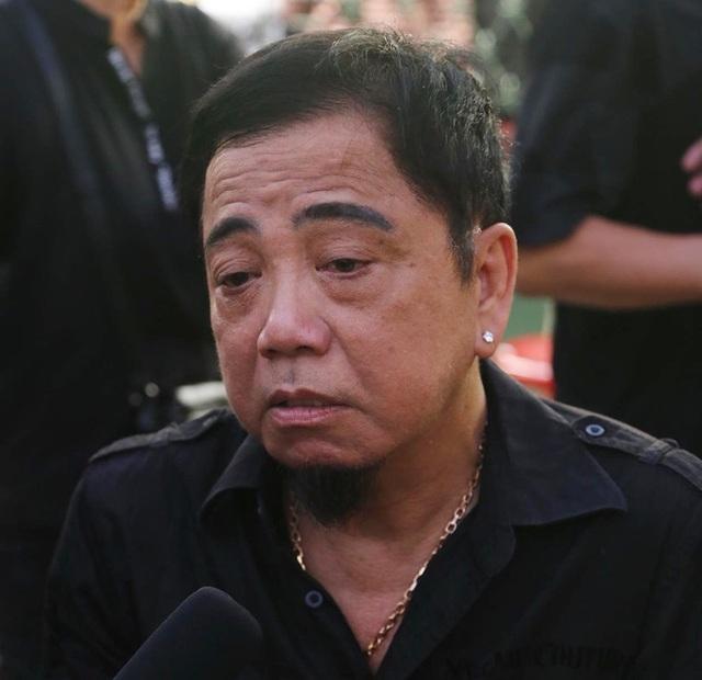 Nghệ sĩ nghẹn ngào tiễn biệt diễn viên hài Anh Vũ - 14