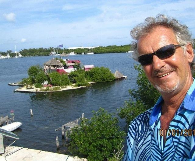 Người đàn ông xây đảo bằng chai nhựa suốt 7 năm để bảo vệ môi trường - 2