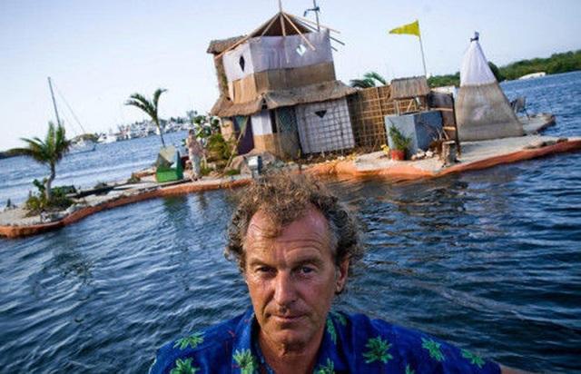 Người đàn ông xây đảo bằng chai nhựa suốt 7 năm để bảo vệ môi trường - 3