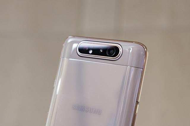Samsung bất ngờ ra mắt Galaxy A80 có camera trượt xoay 180 độ - 8
