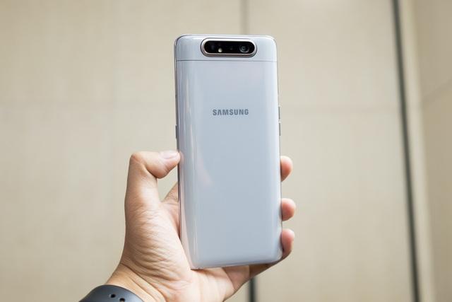 Samsung bất ngờ ra mắt Galaxy A80 có camera trượt xoay 180 độ - 9