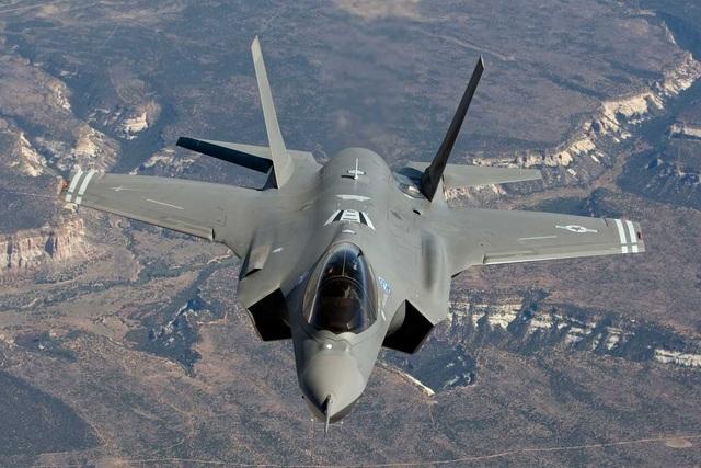 Mỹ biến máy bay chiến đấu F-35 thành mắt thần trên không - 1