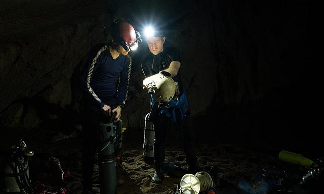 Hành trình khám phá sông ngầm bí ẩn trong hang Sơn Đoòng - 2