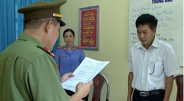 Khởi tố cựu thiếu tá công an tích cực hỗ trợ sửa điểm thi ở Sơn La - 1