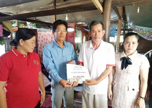 Hơn 61 triệu đồng đến với gia đình có con gái bị thần kinh, con trai bị bại não ở U Minh - 2