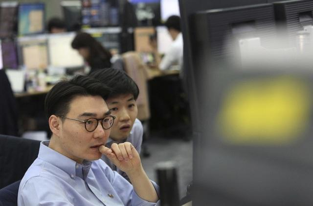 Giới trẻ Hàn Quốc từ bỏ công việc ổn định, theo đuổi giấc mơ trên mạng - 1