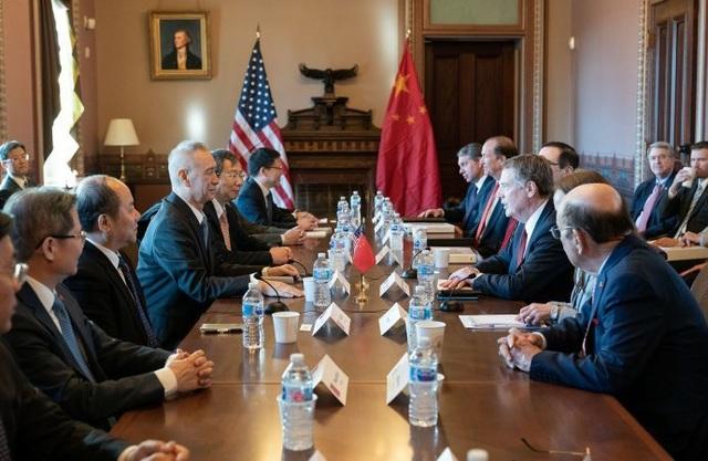"""Giáng đòn trừng phạt EU, ông Trump """"nối dài"""" cuộc chiến thương mại toàn cầu - 2"""
