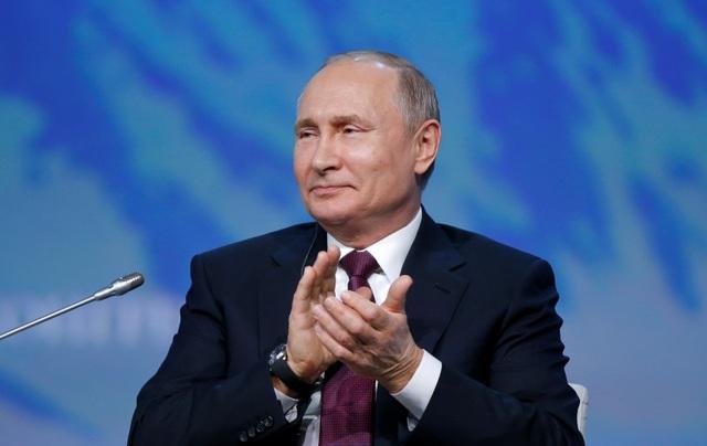 Tổng thống Putin: Lệnh trừng phạt càng thúc đẩy sự phát triển của Nga - 1