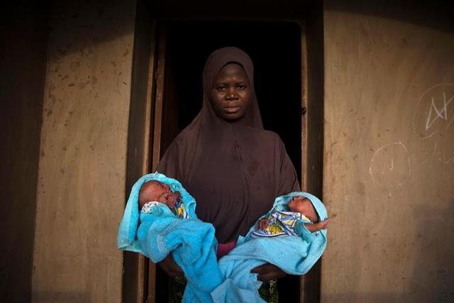 """Kỳ lạ thị trấn Nigeria được mệnh danh là """"thủ phủ sinh đôi của thế giới"""" - 4"""