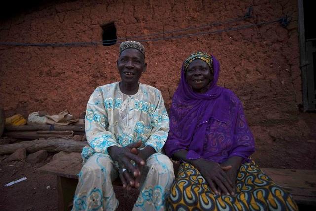 """Kỳ lạ thị trấn Nigeria được mệnh danh là """"thủ phủ sinh đôi của thế giới"""" - 6"""