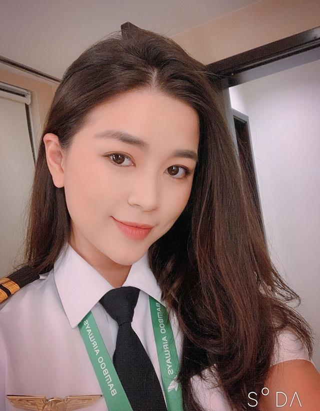 Say nữ phi công Việt xinh đẹp, giám đốc Pháp bay sang Mỹ nấu cơm, rửa bát - 1