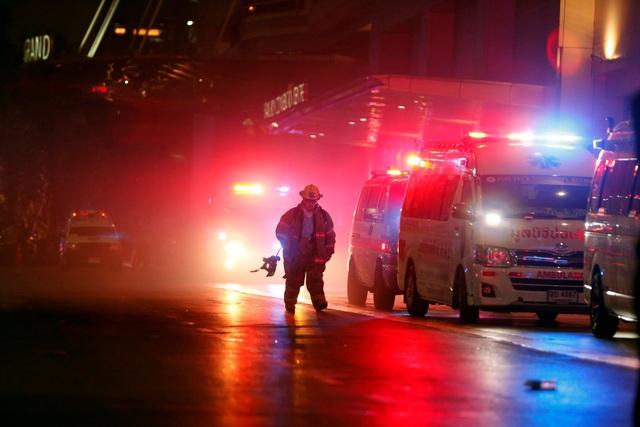 Hiện trường vụ cháy trung tâm thương mại Thái Lan khiến ít nhất 3 người chết - 8