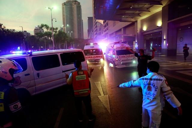 Hiện trường vụ cháy trung tâm thương mại Thái Lan khiến ít nhất 3 người chết - 4