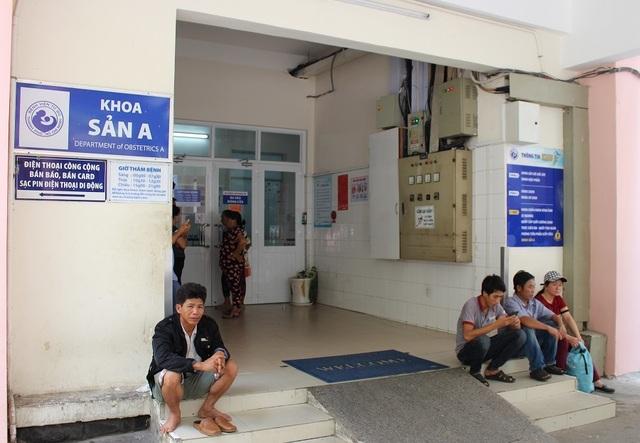 """Bệnh viện thu phí người thăm nuôi: """"Tận thu"""" hay """"đảm bảo an ninh""""? - 4"""