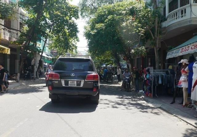 Giám đốc Công an Bình Định: Sẽ xử lý nghiêm vụ xe Lexus tông 4 người chết - 2