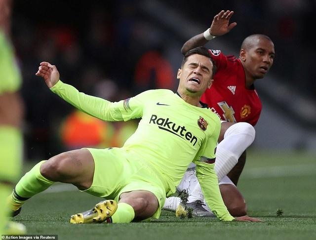 Những khoảnh khắc Barcelona hạ gục Man Utd ở Old Trafford - 10