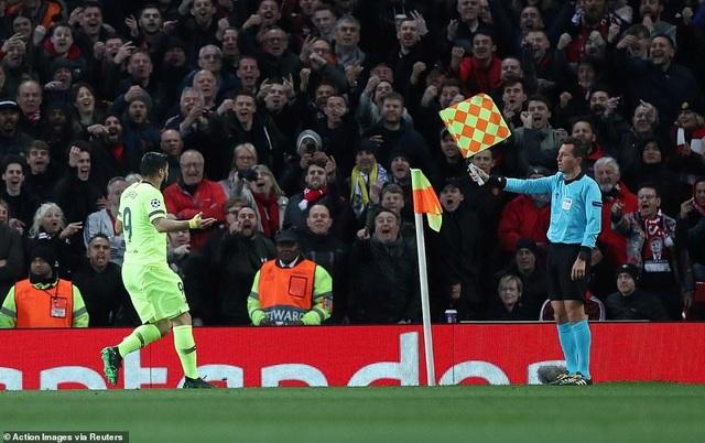 Những khoảnh khắc Barcelona hạ gục Man Utd ở Old Trafford - 3