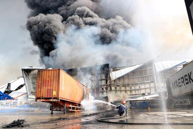 """Hàng loạt khu công nghiệp """"quên"""" phòng cháy, chữa cháy - 4"""