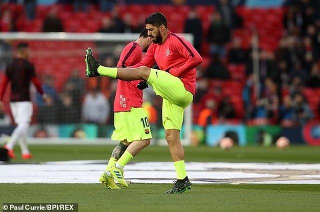 Man Utd 0-1 Barcelona: Luke Shaw phản lưới nhà - 26