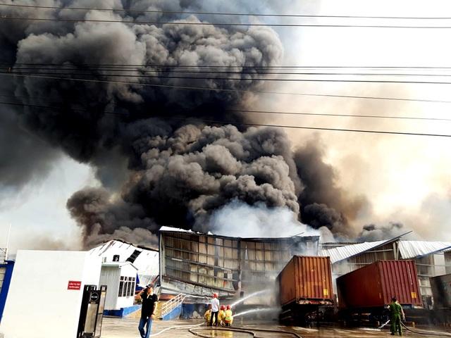 """Hàng loạt khu công nghiệp """"quên"""" phòng cháy, chữa cháy - 3"""