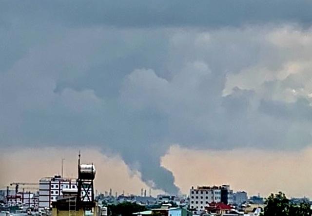 Cháy cực lớn trong khu công nghiệp Sóng Thần 2 - 7