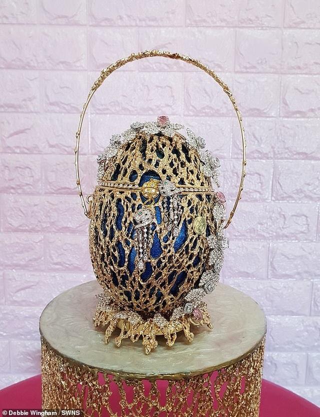 """""""Túi xách quả trứng"""" tuyệt đẹp có giá tương đương hơn 155 tỷ đồng - 1"""