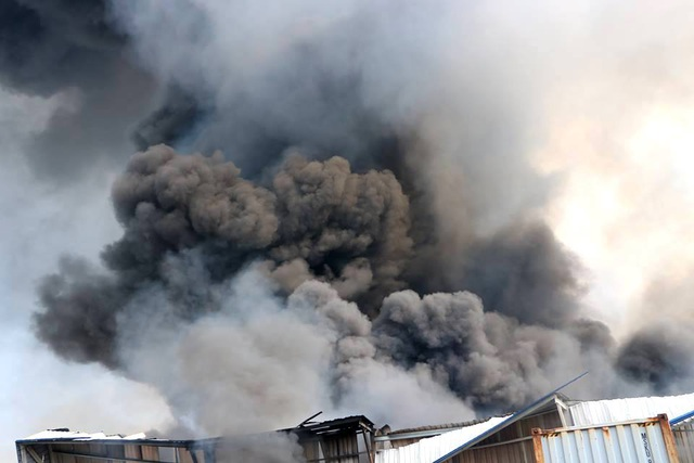 Cháy cực lớn trong khu công nghiệp Sóng Thần 2 - 3