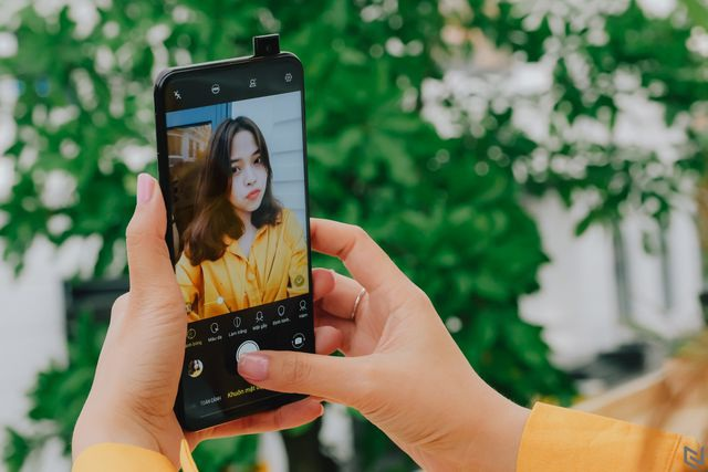 Những tính năng trên Vivo V15 được giới yêu thích công nghệ đánh giá cao - 1