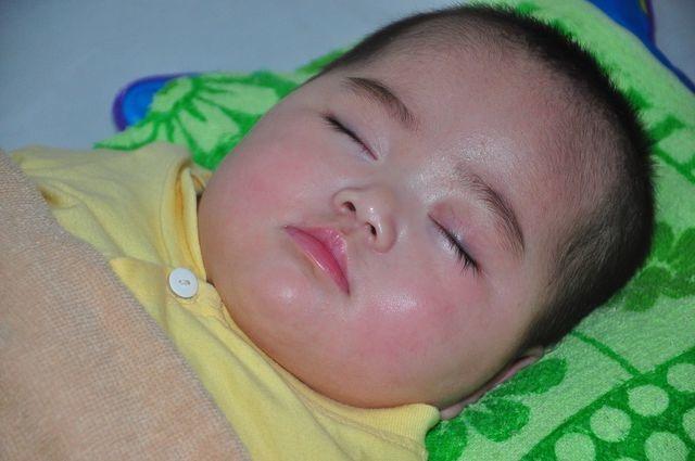 Bạn đọc giúp bé Thảo bị bỏ rơi hơn 150 triệu đồng - 1