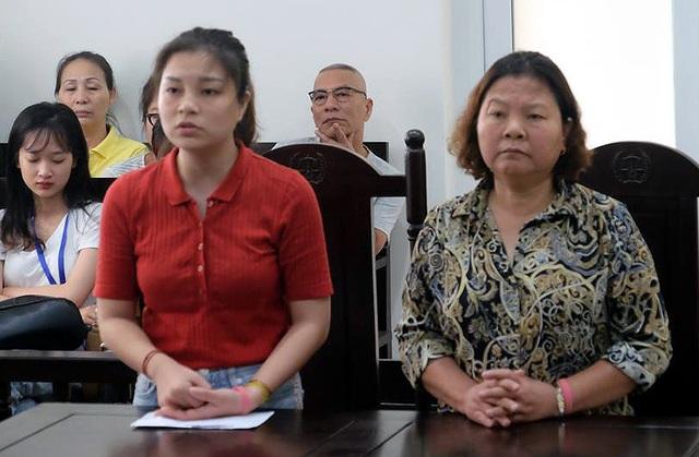 Hà Nội: Nữ giáo viên xinh đẹp đánh người bị tăng án phạt - 1