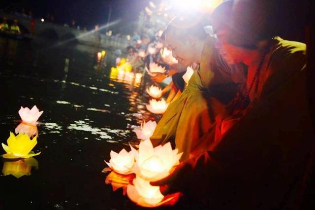 Cố đô Hoa Lư lung linh trong đêm hội hoa đăng cầu quốc thái dân an - 9