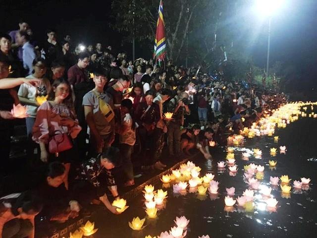 Cố đô Hoa Lư lung linh trong đêm hội hoa đăng cầu quốc thái dân an - 11