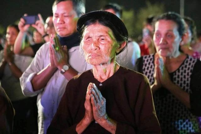 Cố đô Hoa Lư lung linh trong đêm hội hoa đăng cầu quốc thái dân an - 4