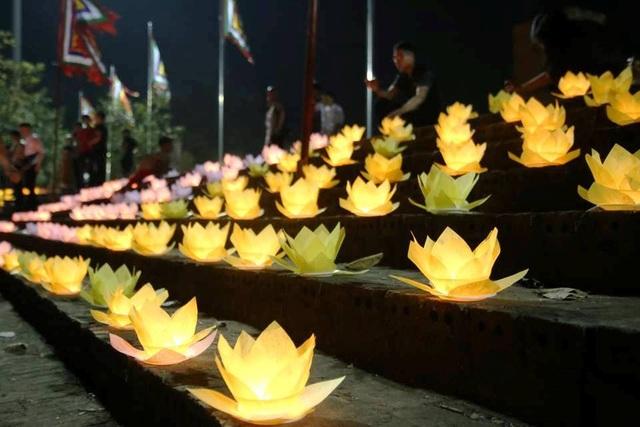 Cố đô Hoa Lư lung linh trong đêm hội hoa đăng cầu quốc thái dân an - 12