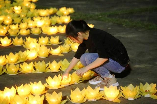 Cố đô Hoa Lư lung linh trong đêm hội hoa đăng cầu quốc thái dân an - 7
