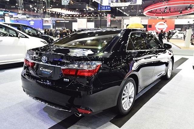 Loạt ô tô giảm giá khủng trong tháng 4 - 1