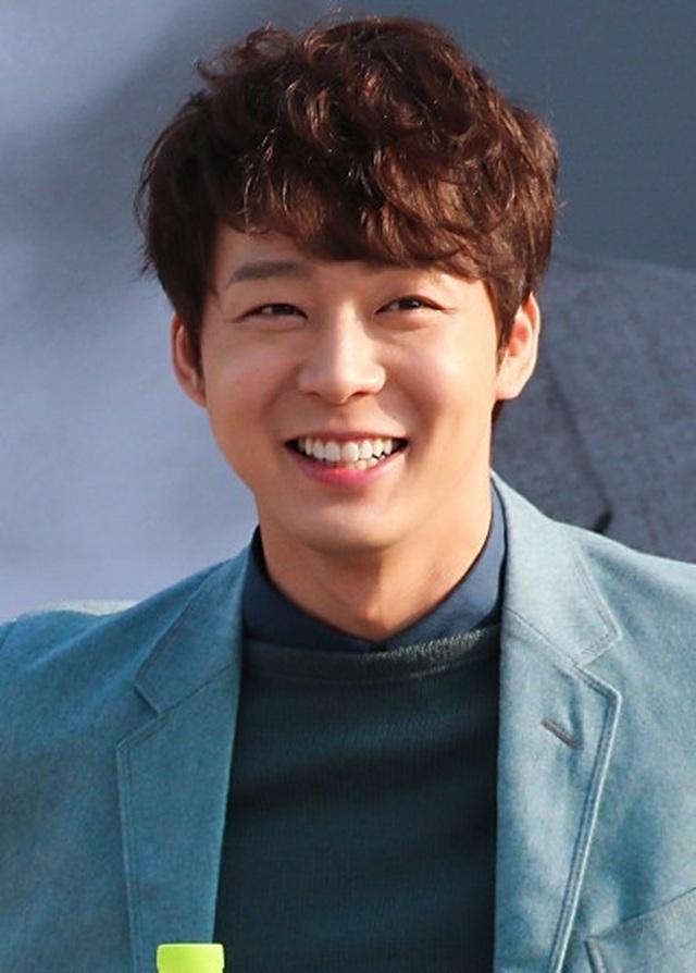 Park Yoochun mở họp báo nói về mối quan hệ với bạn gái cũ vừa bị bắt vì ma túy - 6